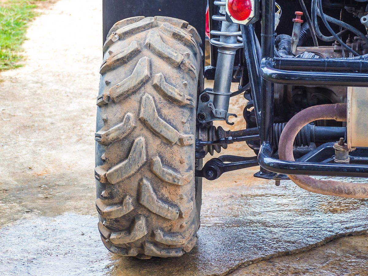 Las Vegas, close-up of an ATV wheel on a guided tour in Nevada