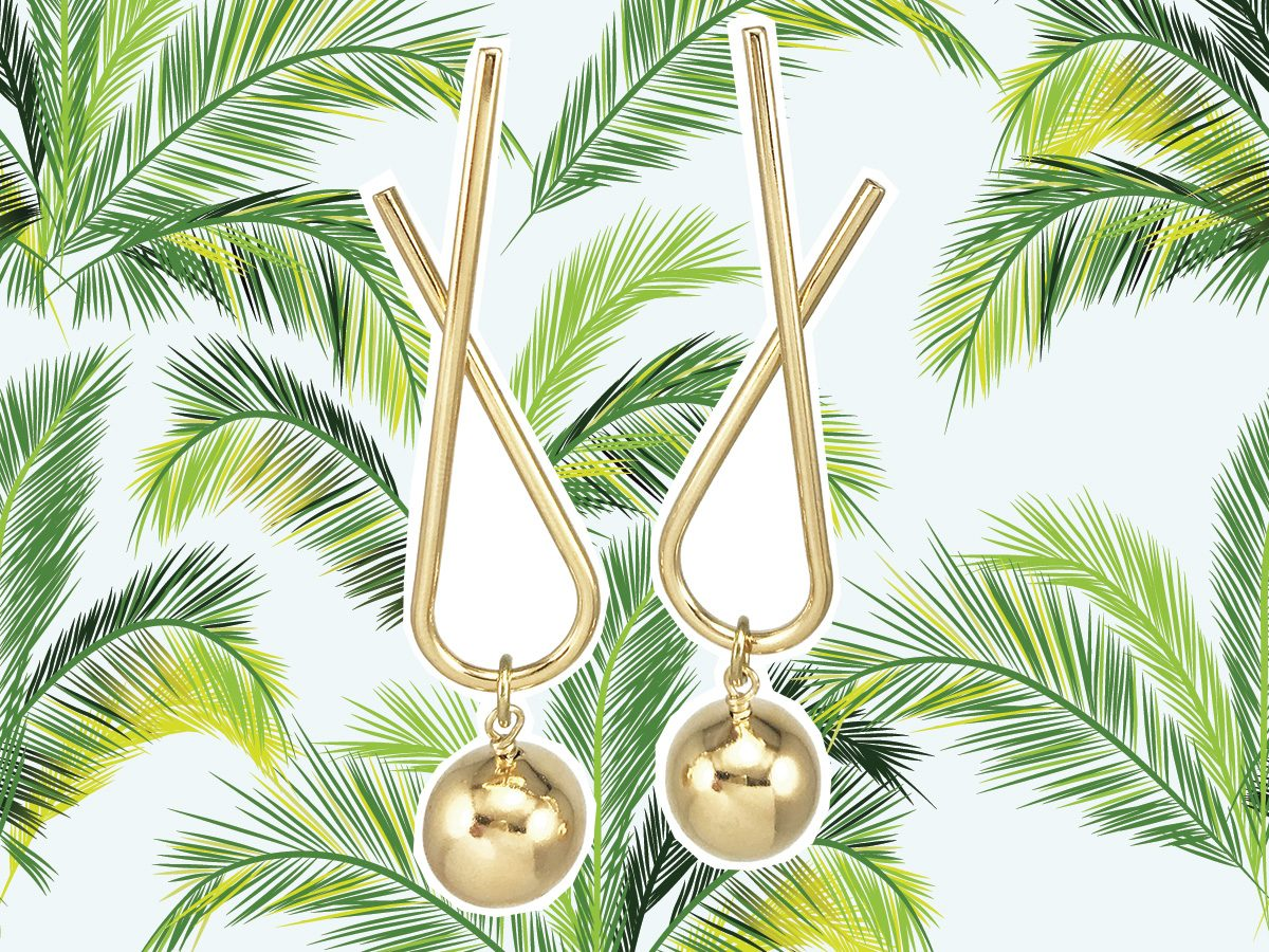Gold earrings to wear on vacation