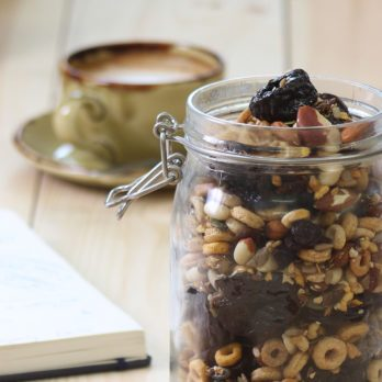 Try this Super Easy Prune Trail Mix For a Midday Snack
