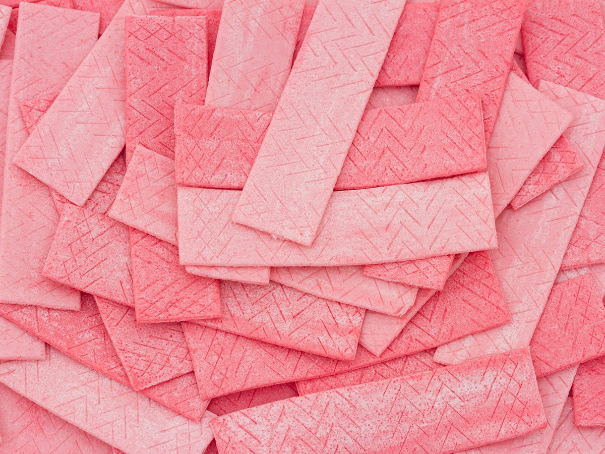 Zero calorie foods, a pile of pink sugar-free gum