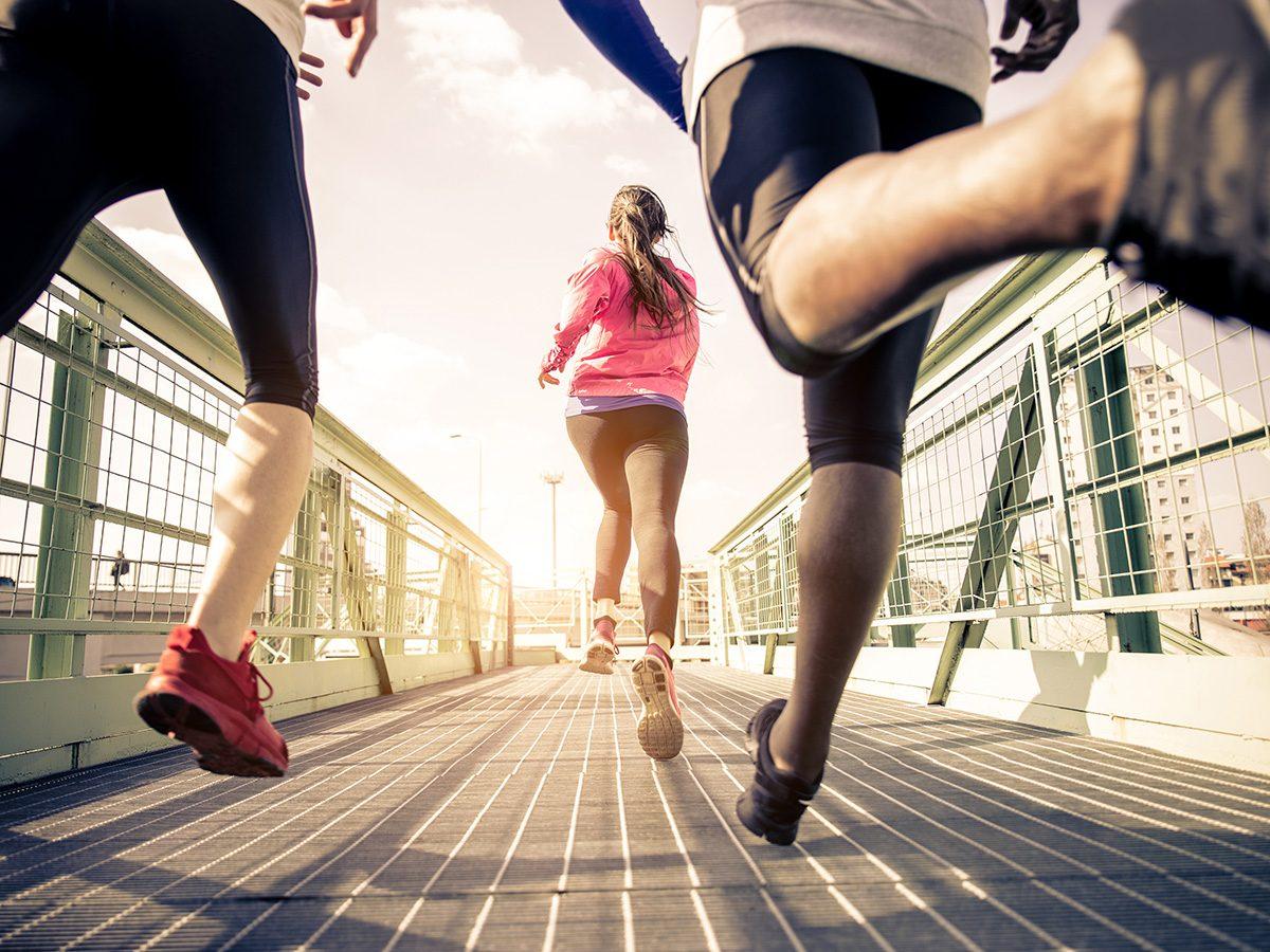 Run club running together