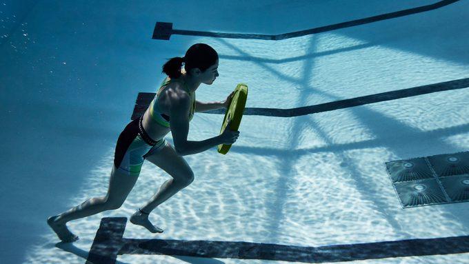 Yusra Mardini training in the pool