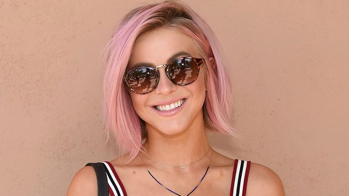 pink hair trend on julianne hough