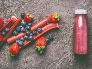 Strawberry-Rhubarb Smoothie