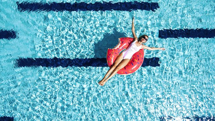 Best Fake Tan, pool