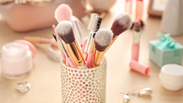 makeup brushes beauty