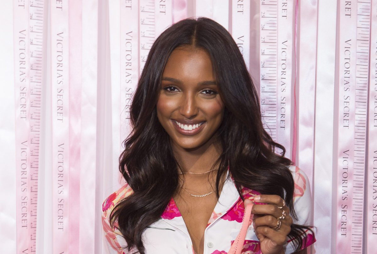 It's Official: Jasmine Tookes is Making Pink EyeshadowHappen forecasting