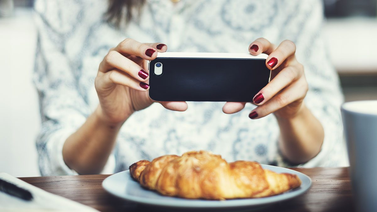 Food Journal, woman taking photo of her meal