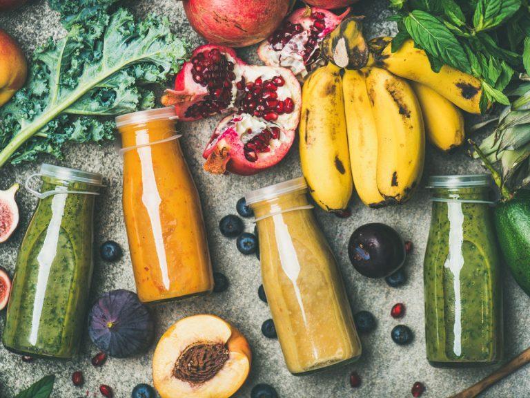 low-calorie smoothies peach avocado banana
