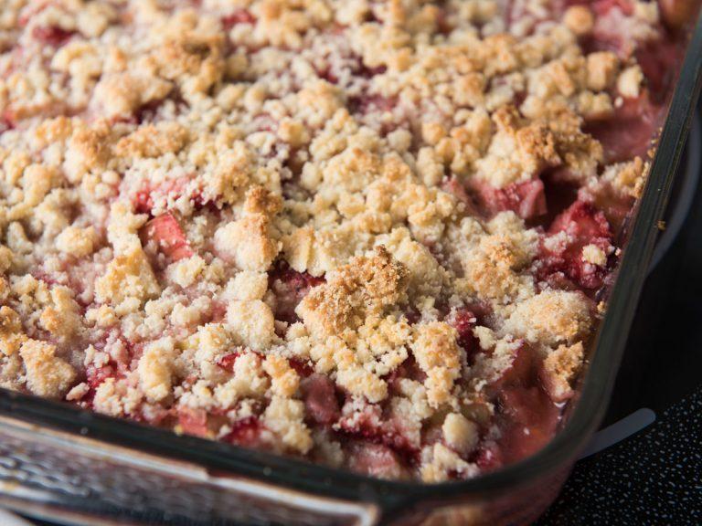 elderberry rhubarb crisp
