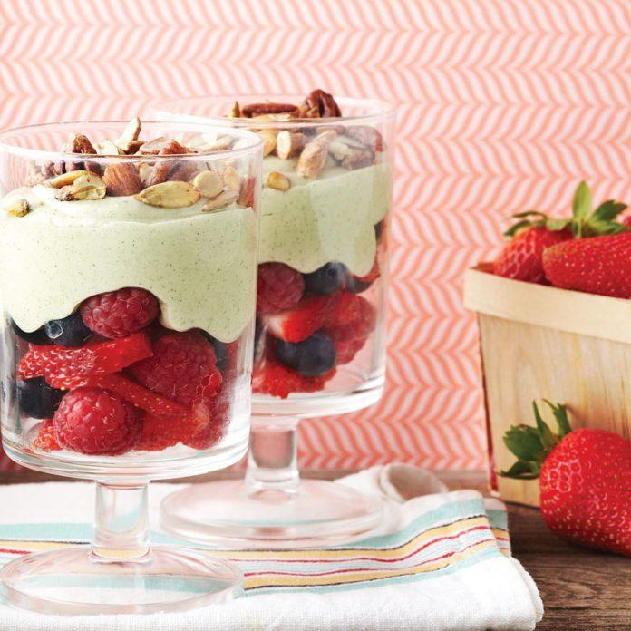 Replace Your Everyday Yogurt With This Creamy Avocado Parfait
