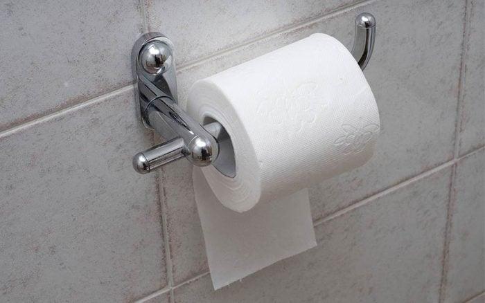 cause hemorrhoids   toilet paper