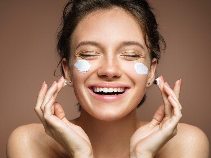 retinol benefits skin care cream