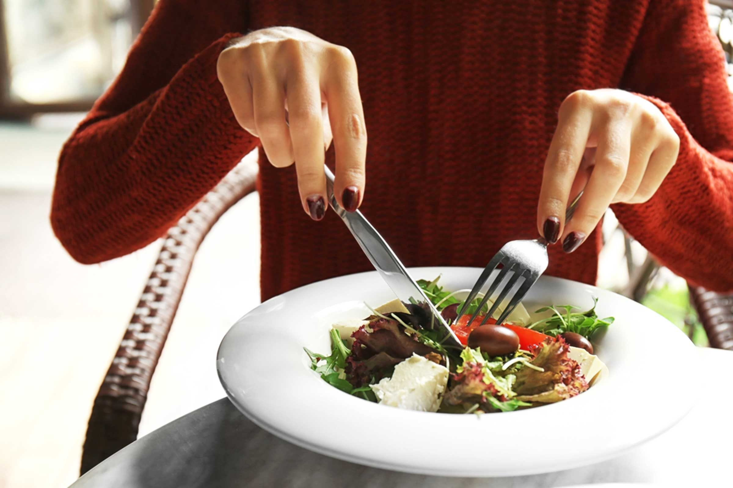 13 Best Summer Superfoods for Women