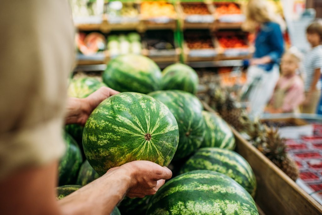 14 Shocking Truths About Grocery Store Produce