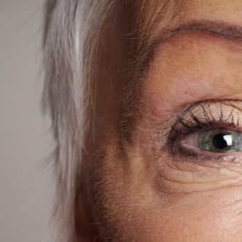 7 Silent Signs You Might Have Eye Cataracts