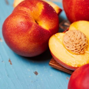 4 Easy Steps for Freezing Nectarines