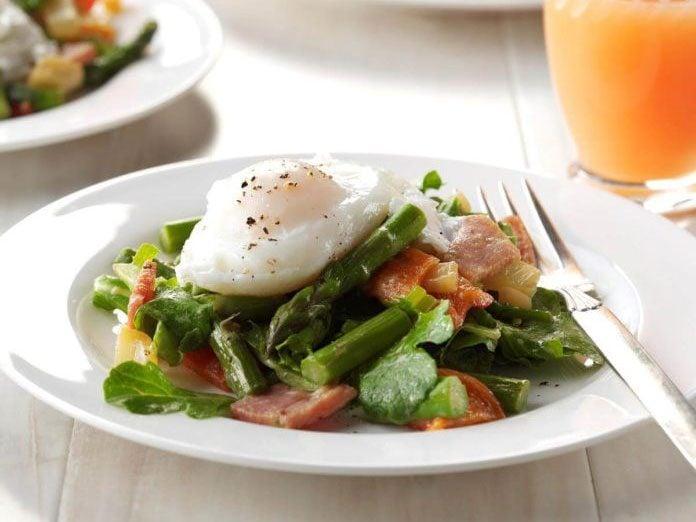 Twisted Eggs Benedict Salad | egg recipes
