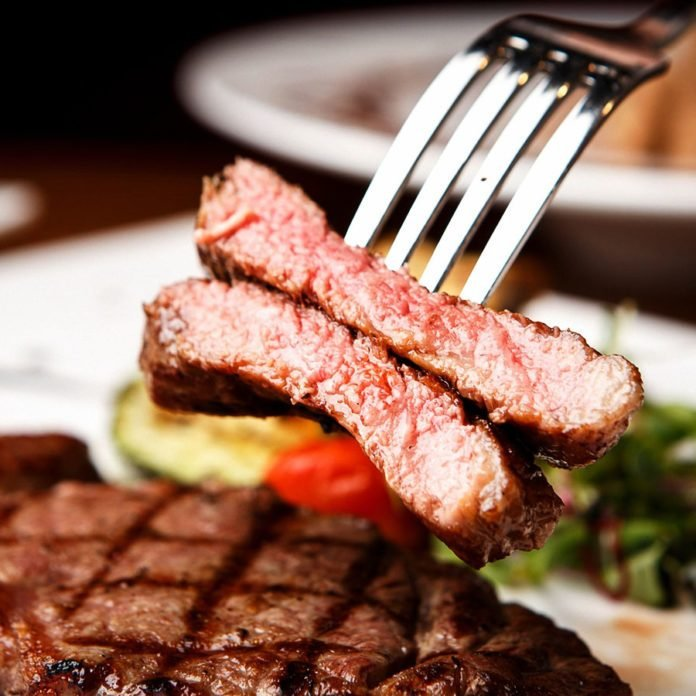 The Surprising Thing You Should Avoid Ordering at a Steakhouse