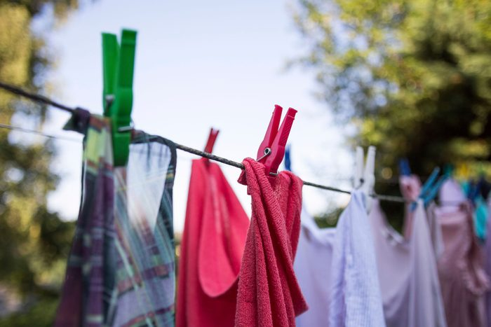 remove odour from clothes