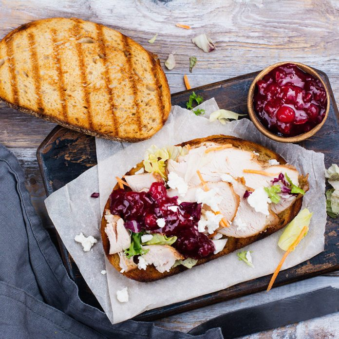 12 Healthy Recipes for Turkey Leftovers (So You're Not Just Eating Thanksgiving Dinner 2.0)