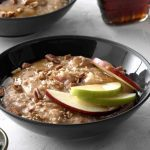 This Steel-Cut Oatmeal Tastes Just Like Apple Pie
