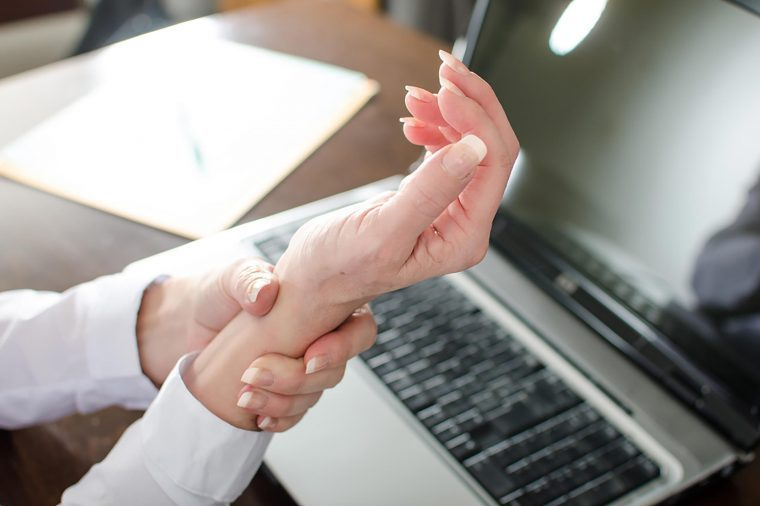 carpal tunnel syndrome home remedies wrist pain