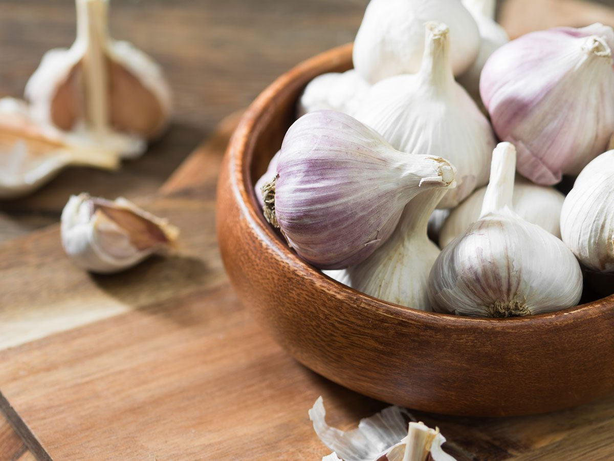home remedies for yeast infections - garlic