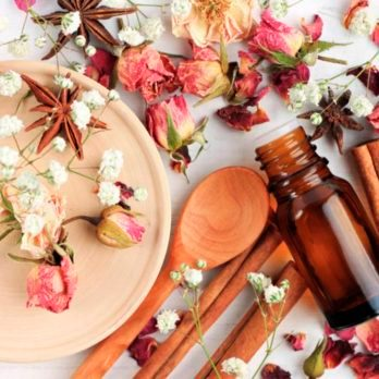 6 Essential Oils You Should Try for a Good Night's Sleep (and 3 to Avoid)