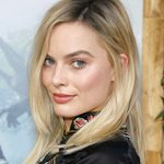 Margot Robbie's Makeup Artist Reveals How to Master Your Holiday Makeup