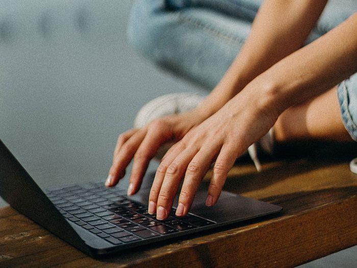 massage therapist secrets work at a computer