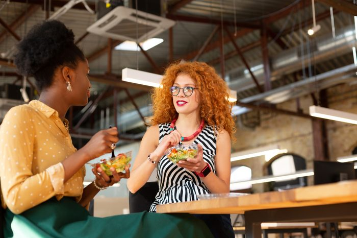 Gluten-free Diet | Celiac Disease | Gluten sensitivity | Gluten Intolerance | Two women enjoying lunch together