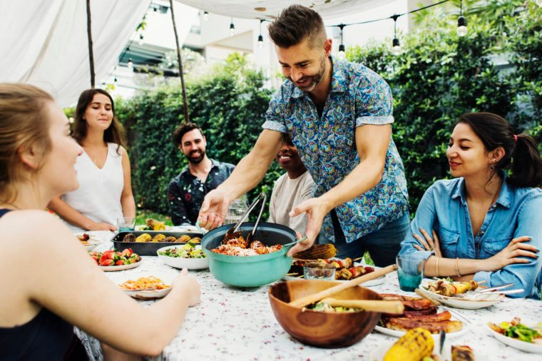 Gluten-free Diet | Celiac Disease | Gluten sensitivity | Gluten Intolerance | Family enjoying dinner outside