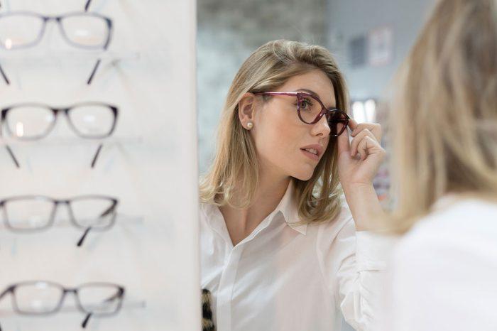 tips for wearing glasses