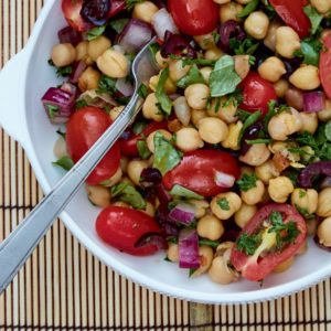 This Vibrant Chickpea Salad Is a Summer Favourite
