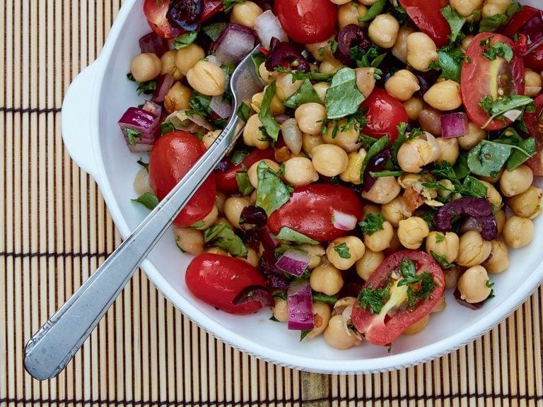 fridge-friendly recipes   chickpea salad