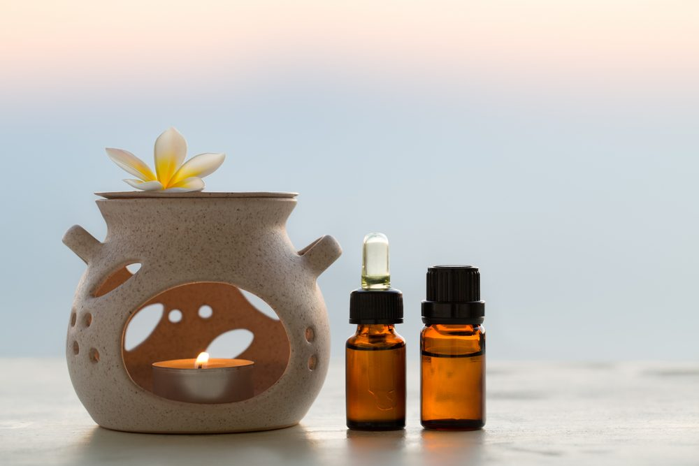 Aroma lamp and aromatherapy essential oils