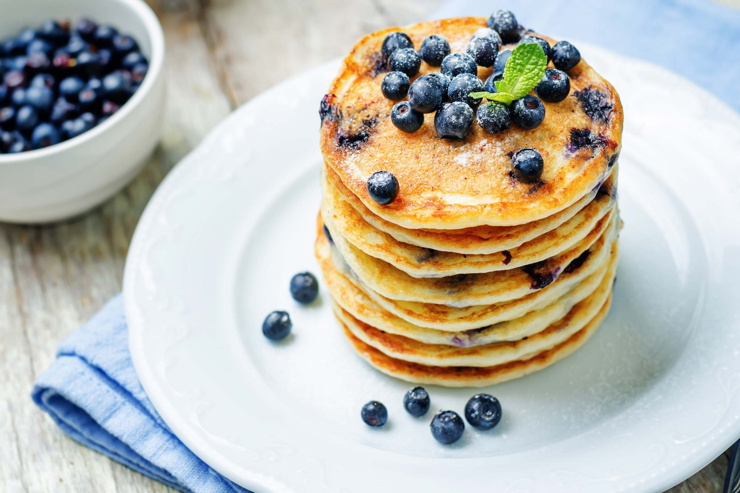 refuel after exercise | pancakes with blueberries