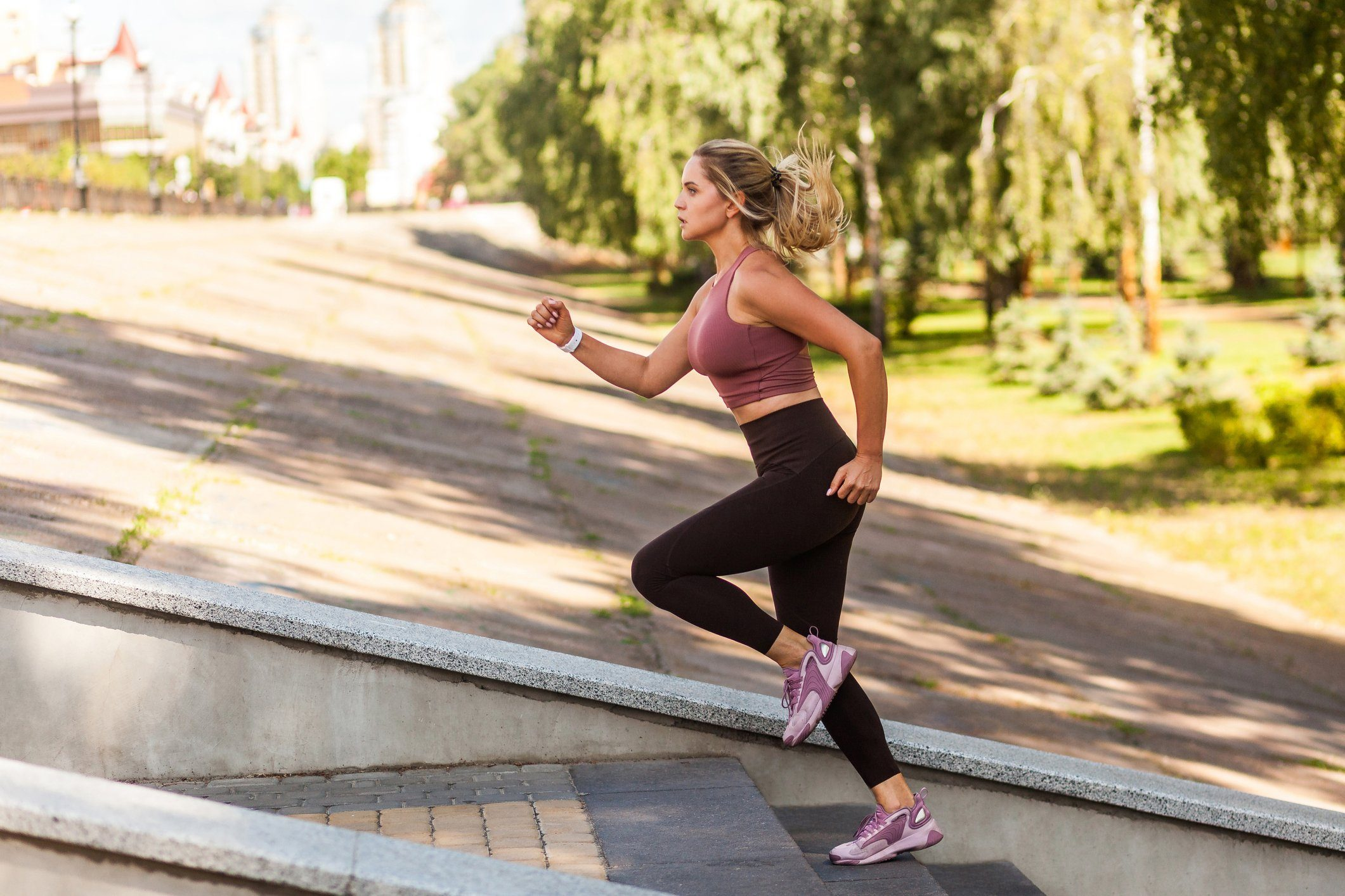 cause dehydration | woman exercising outside