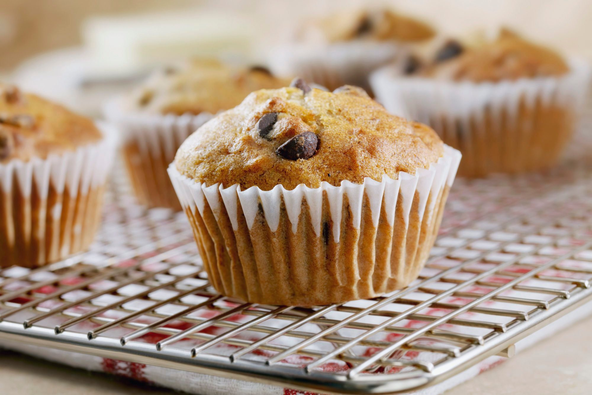 doctors eat for breakfast | banana chocolate chip muffins