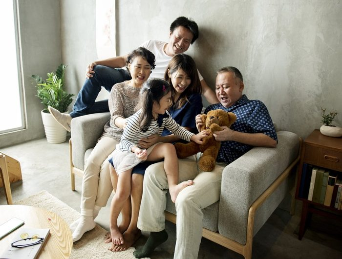 early-onset Alzheimer's   Happy japanese family