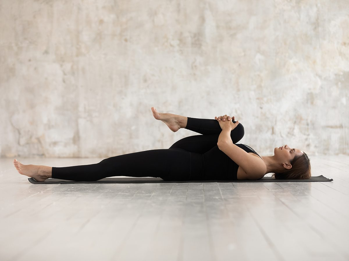 woman stretching | stretching guide | how to stretch