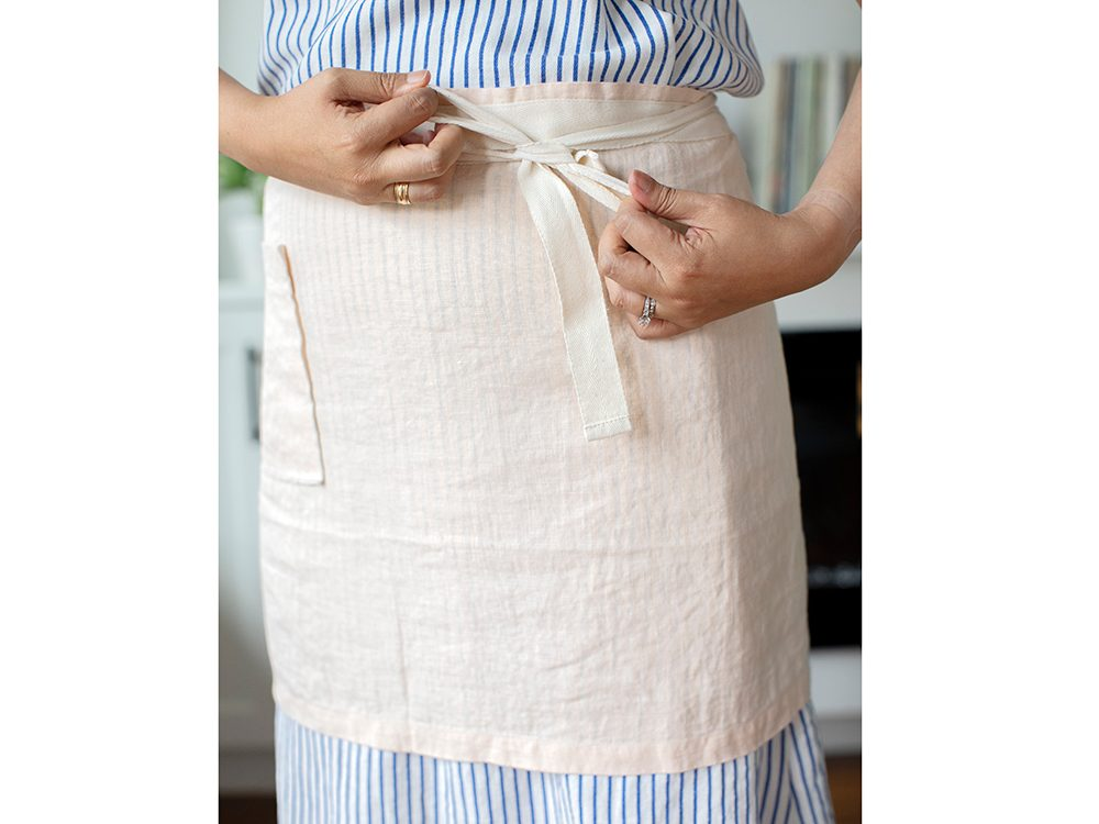 Flax linen apron | wellness gifts | best health gift guide