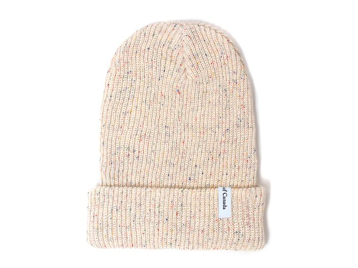 Province of Canada toque | wellness gifts | best health gift guide