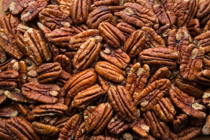 pecans nutrition | Pile of pecans