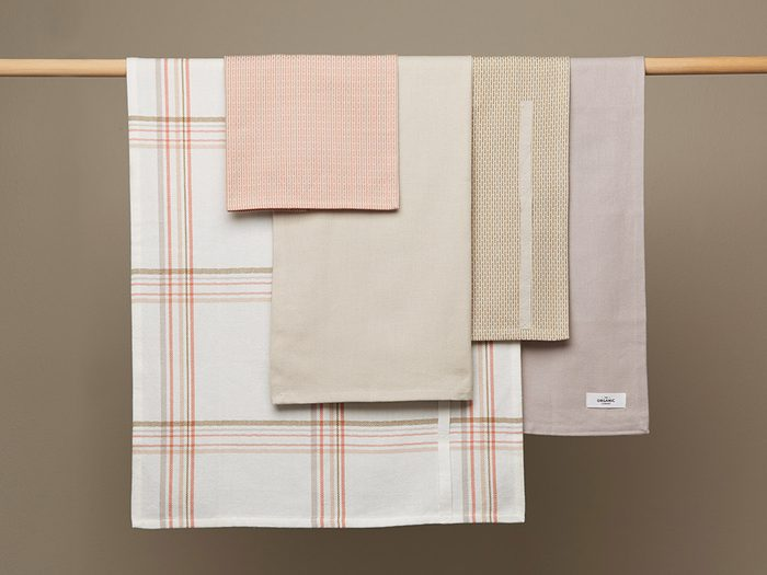 single-use plastic swap | sustainable upgrades eco-friendly home upgrades | the organic company kitchen cloths