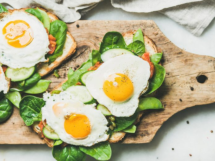 egg recipes | Healthy,breakfast,sandwiches.,bread,toasts,with,fried,eggs,and,fresh