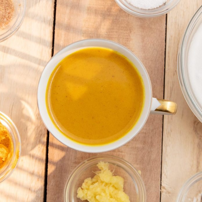 turmeric coffee | Gettyimages 1136216959